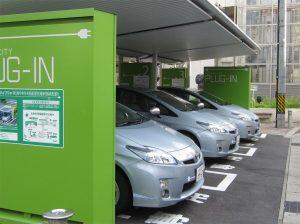 豊田市駅前の充電ステーション
