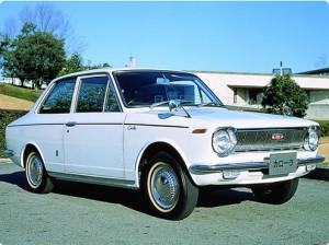 トヨタカローラKE10