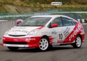 レーシングカラーの2代目プリウス(2003年11月福島にて)